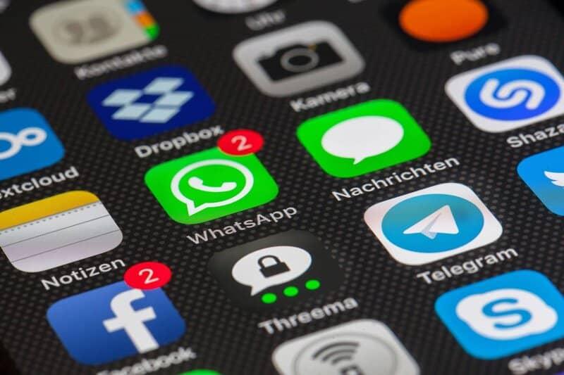 aplicaciones para smartphone con whatsapp instalado