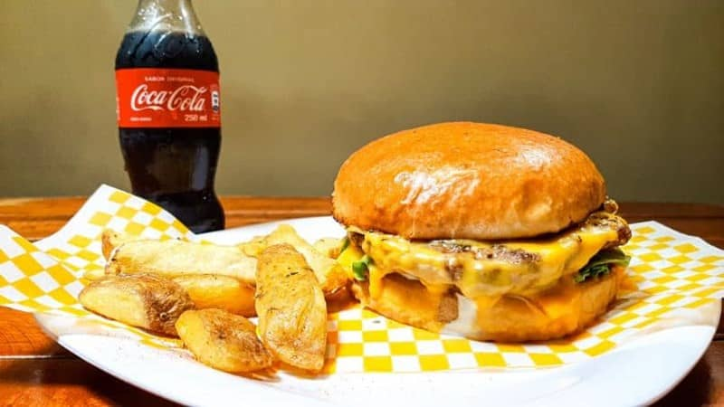 hamburguesa cola comida