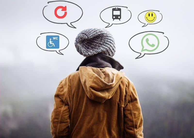hombre usar redes sociales