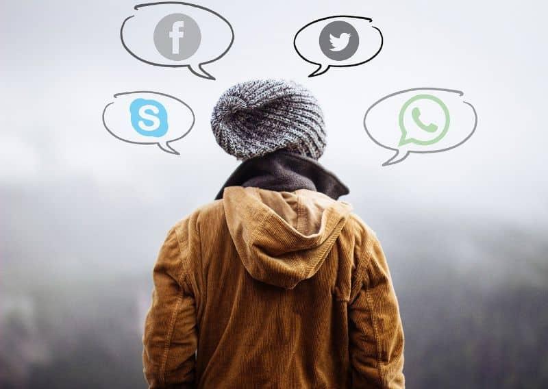hombre redes sociales archivos