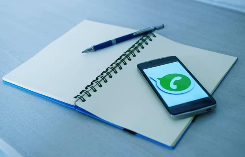 telefono android con whatsapp