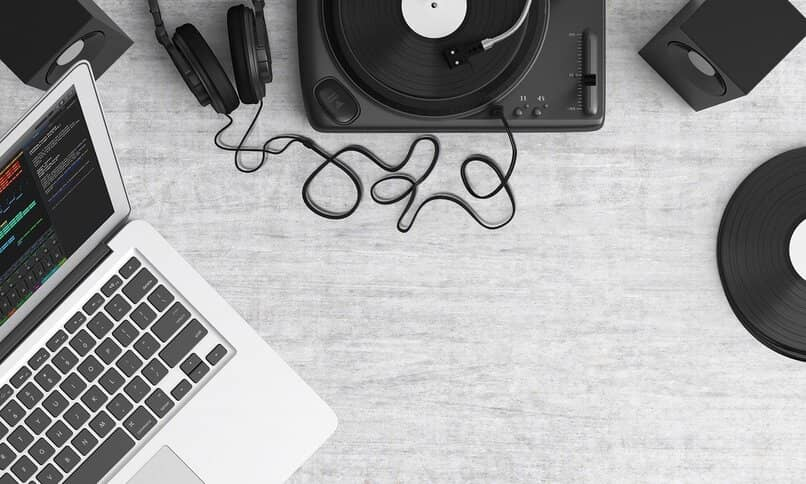 play music from your laptop