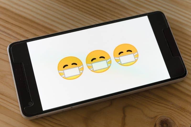 movil caritas emojis
