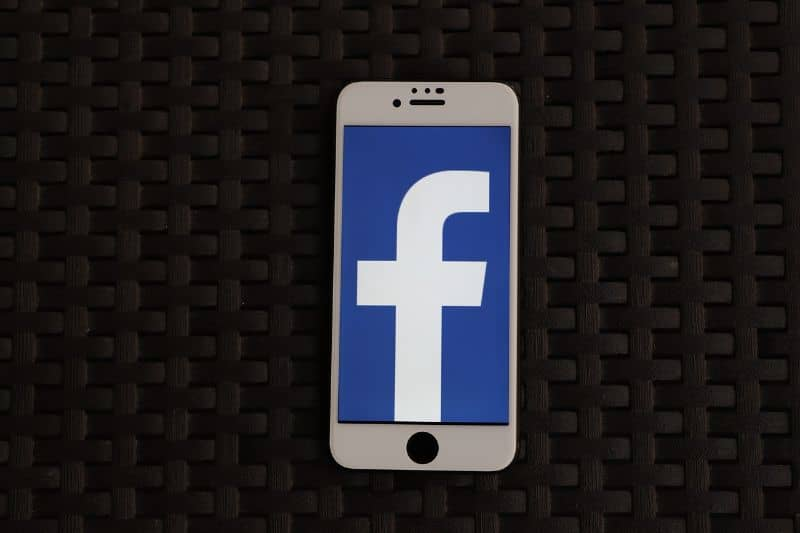eliminar apellido facebook