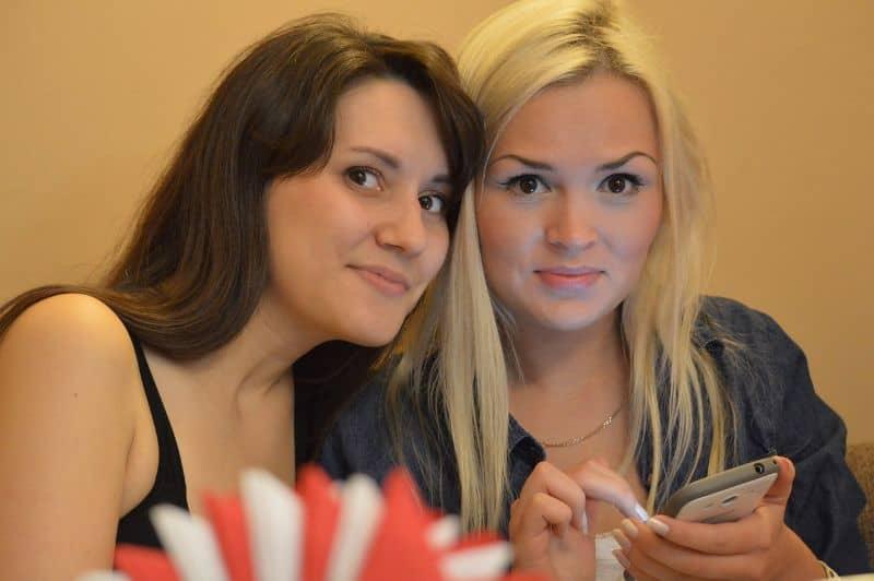 mujeres publicar fotos facebook