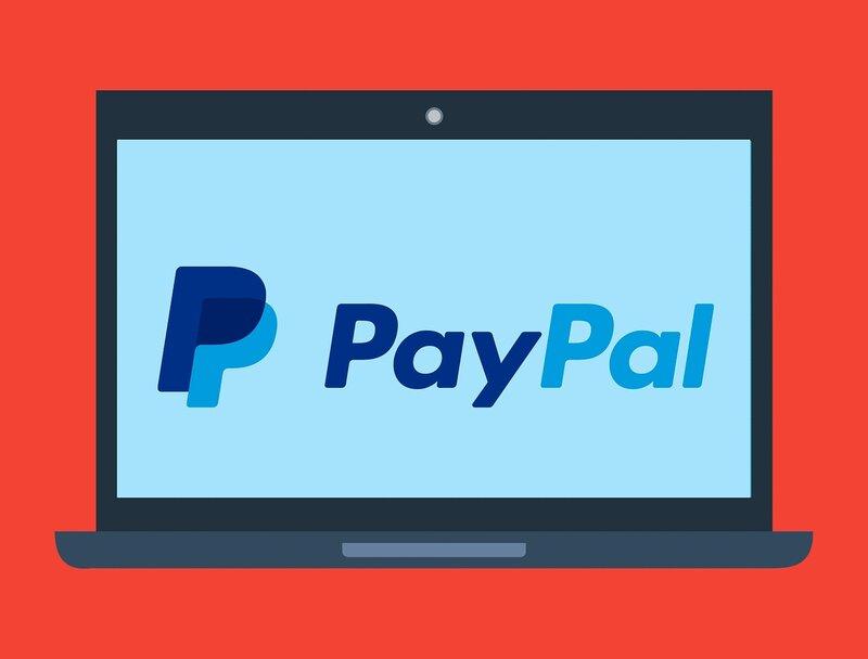 pantalla con logo de paypal