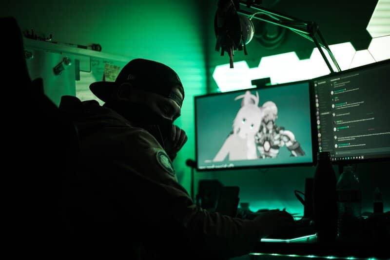 gamer transmitiendo juego en vivo