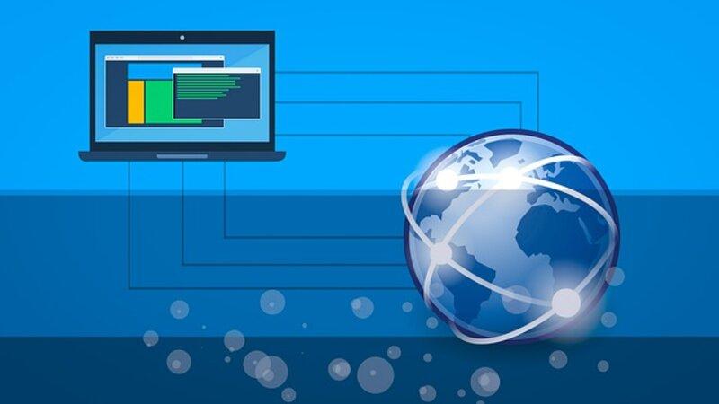 laptop conectada a internet