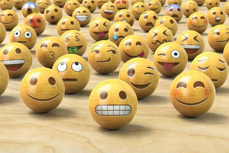 muchos emojis
